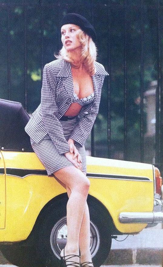 Krainová a její stylizace do Brigitte Bardot.