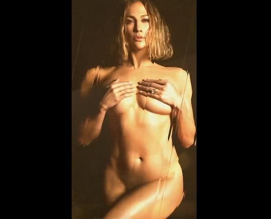 Jennifer Lopez se ukázala úplně nahá.