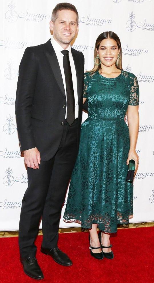 S manželem Ryanem Piersem Williamsem se seznámila během vysokoškolských studií.