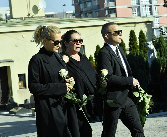 Dara Rolins s Rolou Brzobohatou přišly na pohřeb Petra Vlasáka.