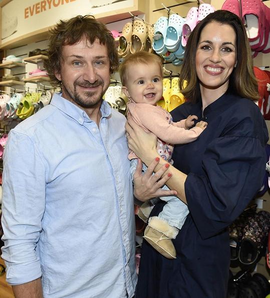 Lucie s manželem Davidem a dcerou Lolou
