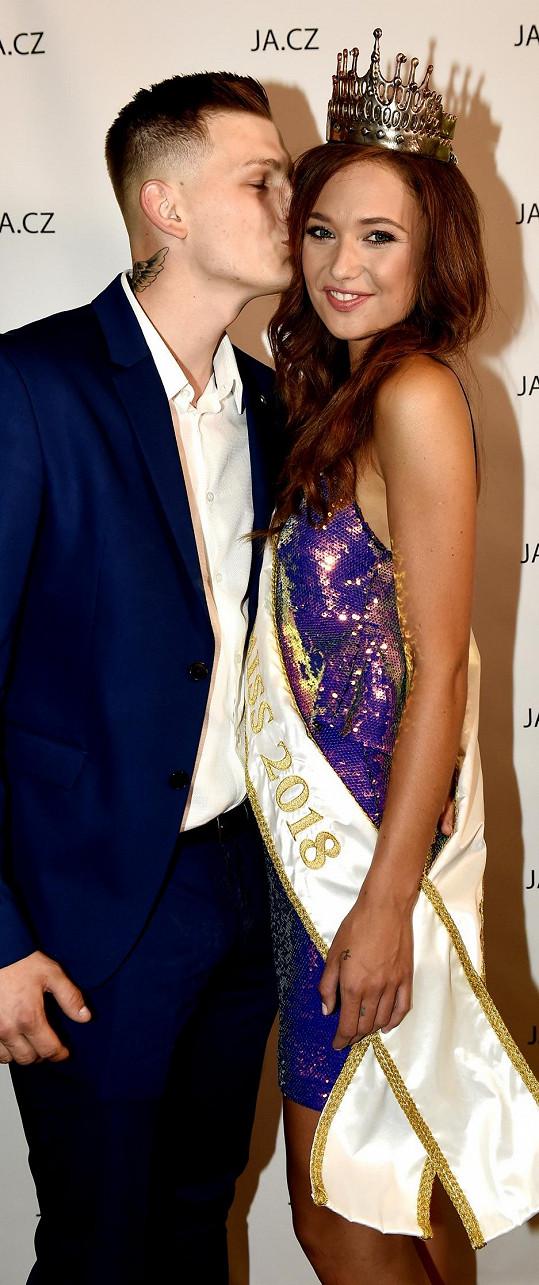 Lea chodí s bývalým fotbalistou Michalem Jenechem.