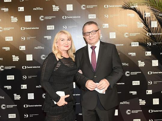 Ministr kultury Lubomír Zaorálek s přítelkyní Šárkou Bednářovou