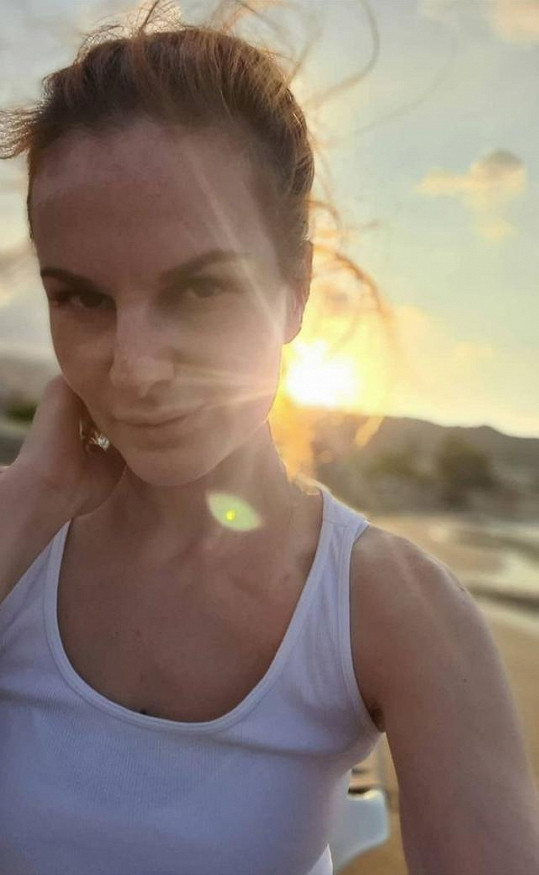 Iva Pazderková odjela načerpat energii na Krétu.