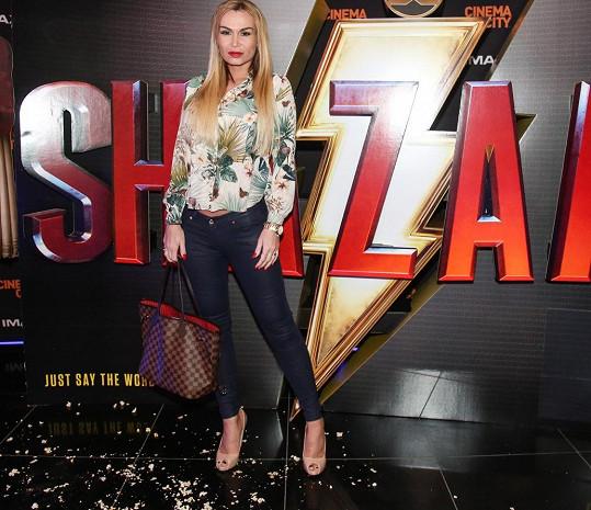 Eva na premiéře filmu Shazam!