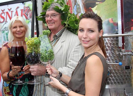Kmotry třech nových vín se stali Veronika Arichteva, známý milovník vína Vlastimil Harapes a odbornice v oblasti estetické medicíny MUDr. Ivana Němečková.