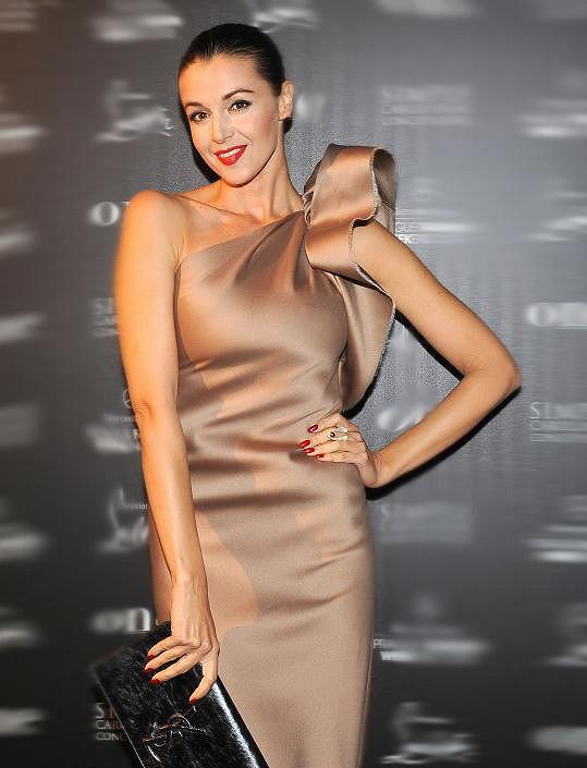Iva měla nádherné šaty Lanvin.