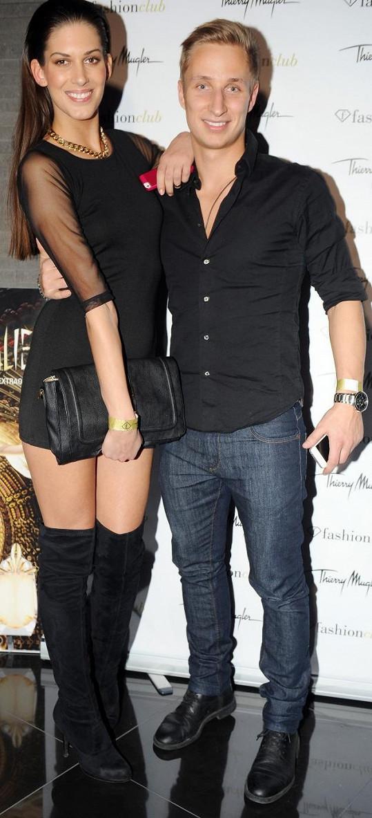 Aneta s přítelem Michalem Zemanem ještě před okamžikem, než fotbalista vyrazil za jinou.
