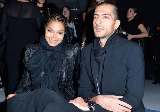 Janet Jackson prý s manželem čeká dítě.