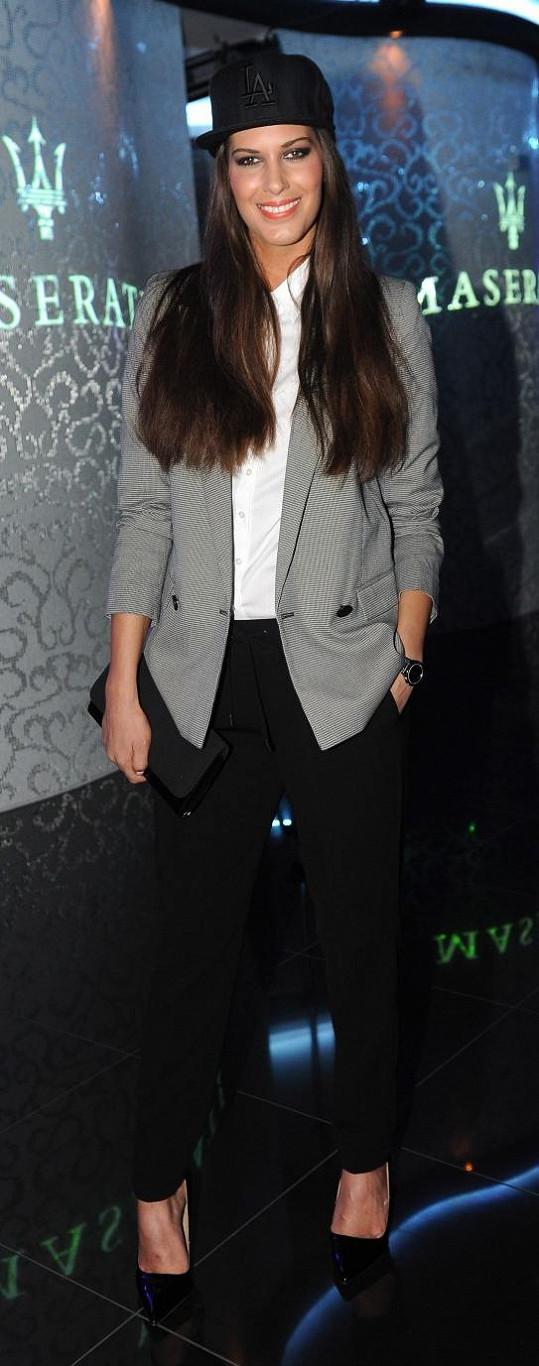 Aneta Vignerová vyrazila oblečená v pánském stylu.