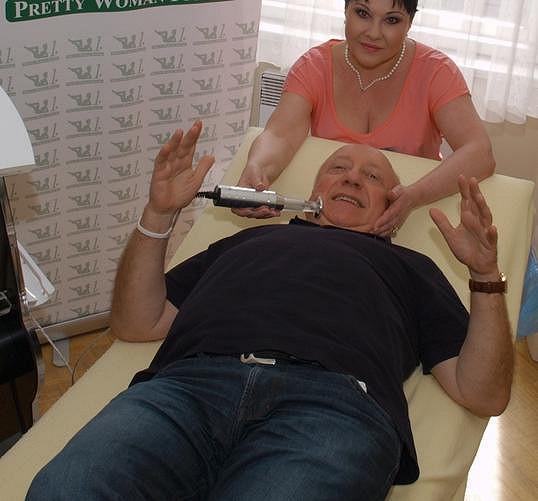 Podle manželky Dády Patrasové by měl shodit i Felix Slováček.