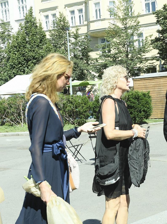 Světlana Nálepková s dcerou Josefínou, vnučkou Miloše Nesvadby