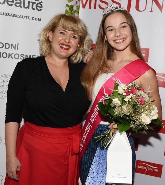 Miluška s vítězkou soutěže krásy pro mladé dívky Adrianou Brabencovou