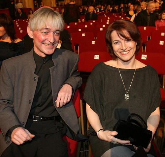 Na archivním snímku s manželem Vladimírem Dlouhým
