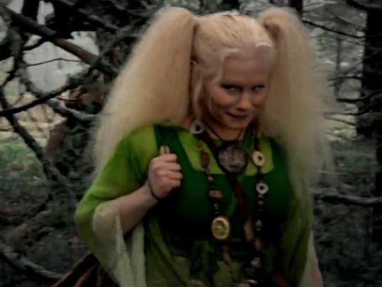 Herečka z Rölli a lesní duch vypadá jako žena. Proč není napůl rozmazaná?