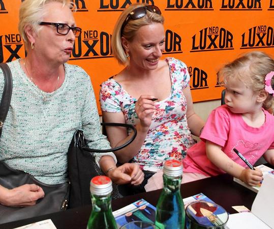 Maminka Kristiny Kloubkové je také pyšnou babičkou tříleté Jasmínky.