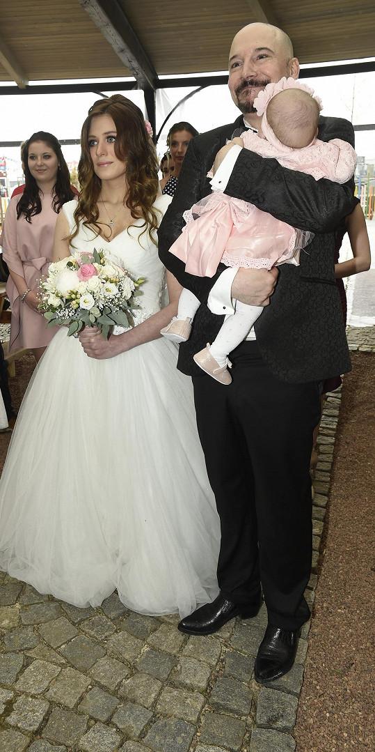 S manželkou Lucií mají půlroční dceru Natálku.