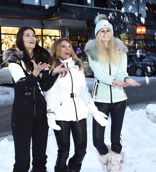 Lucie představovala s Petrou Svobodou a Elizavet Charalambidu nové zimní trendy.