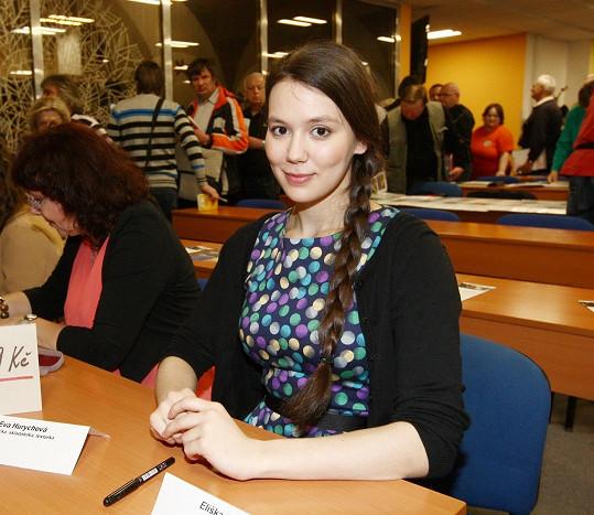 Eliška se podepisovala na akci Klubu sběratelů autogramů.