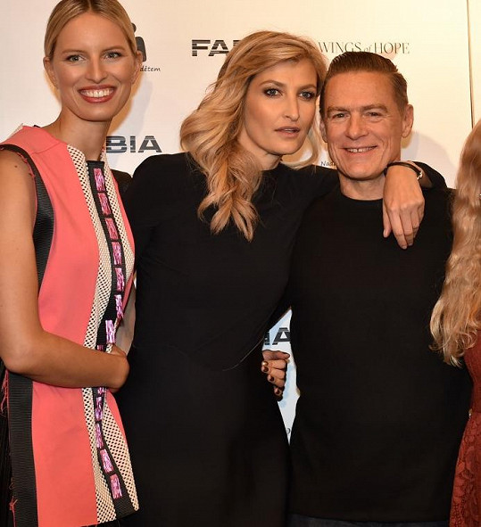Karolína Kurková, Tereza Maxová a Bryan Adams