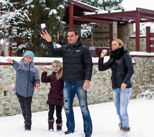 Roman Šebrle s celou rodinou - manželkou Evou, synem Štěpánem a dcerou Kateřinou