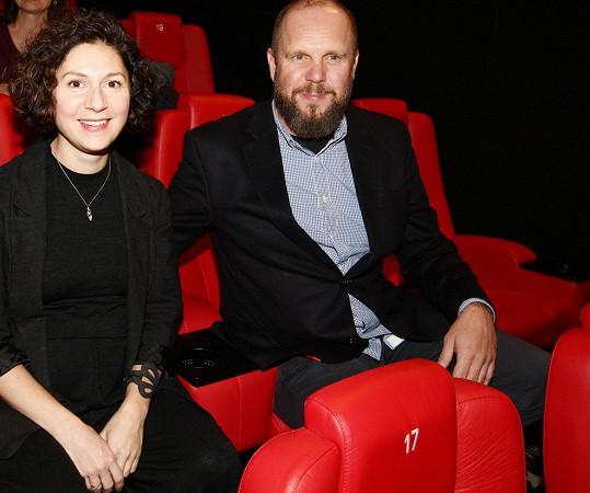 Martha Issová s partnerem Davidem Ondříčkem na premiéře filmu Kvarteto
