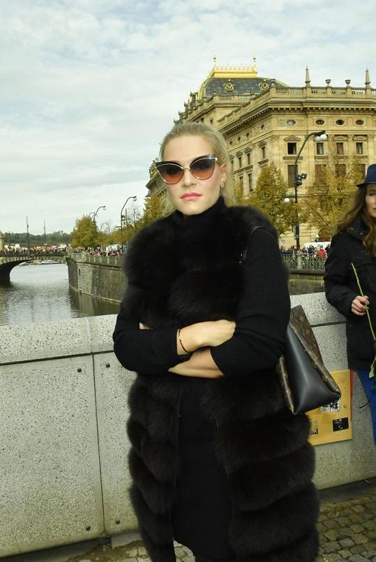 Dominika Myslivcová tentokrát nedorazila v růžové, ale černé.