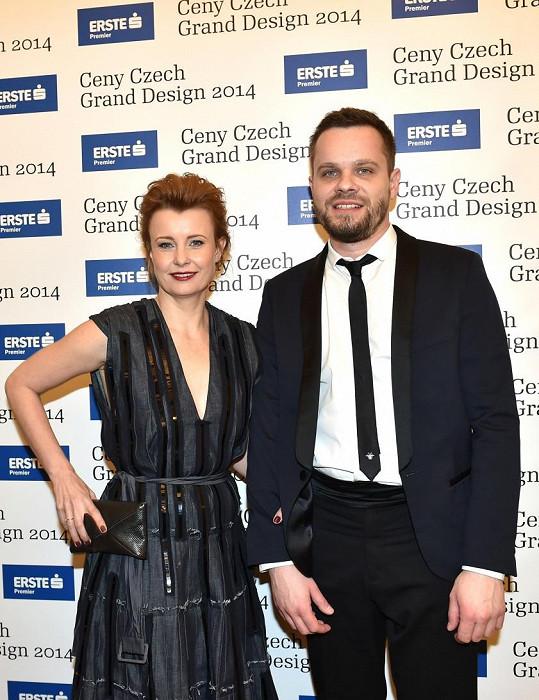 Schneiderovou doprovázel kamarád, novinář Martin Hradecký.