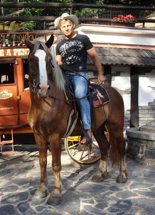 Martin Maxa v koňském sedle