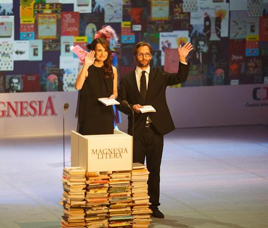 Daniela Písařovicová moderuje s Jiřím Havelkou Magnesii Literu již od roku 2013.