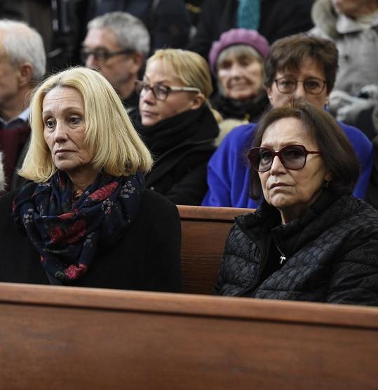 Paní Marta by se pohřbu prý nejspíš nezúčastnila. Snaží se minimalizovat sociální kontakt.