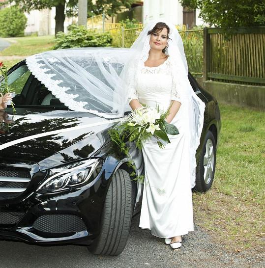 A takhle jí to seklo ve svatebním v seriálu Vinaři.
