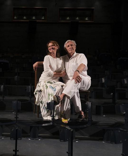 """""""Zmizely nám všechny sedačky. Připomíná to dobu, kdy jsme v Paláci Adria (sídlo Divadla Bez zábradlí - pozn.) začínali. Vypadalo to přesně takto,"""" smála se Heřmánková s vysvětlením, že jde o rozsáhlou rekonstrukci hlediště."""