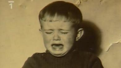 Poznáte plačícího chlapečka?