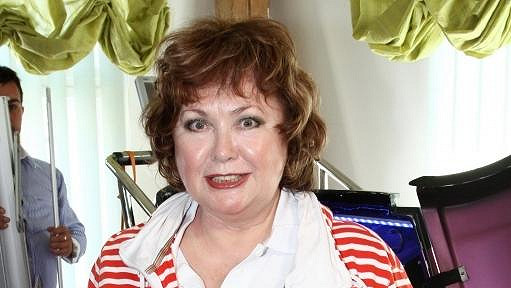 Naďa Konvalinková se dala na hubnutí.