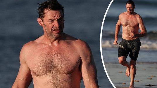 Hugh Jackman si udržuje svalnatou postavu.