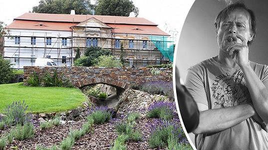 Na svém zámku herec pořádá akci s názvem Jazz u Rodena.