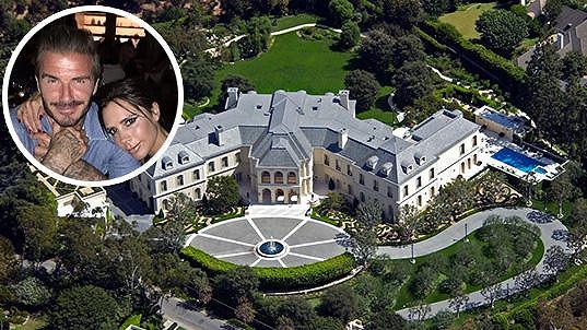 Koupí nakonec sídlo po Aaronu Spellingovi manželé Beckhamovi?