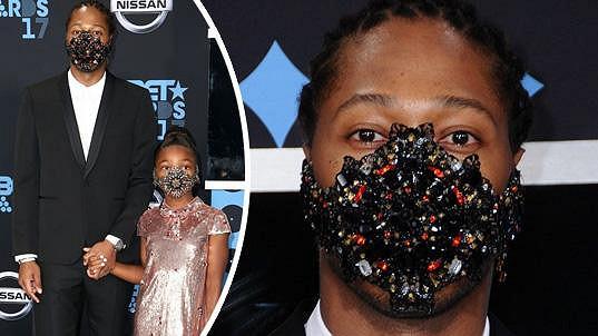 V těchto maskách předstoupili před diváky BET Awards v Los Angeles.