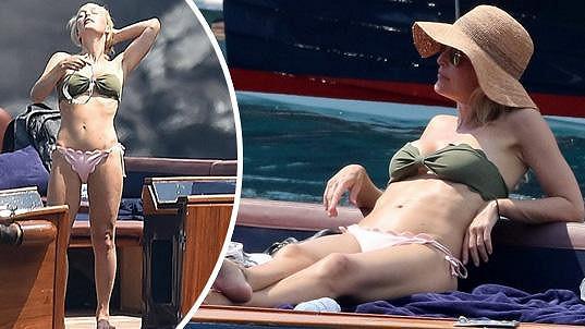Gillian Anderson ukázala luxusní tělíčko v bikinách.