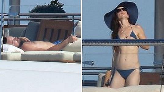 Leonardo si v Cannes užíval s herečkou Juliette Lewis.