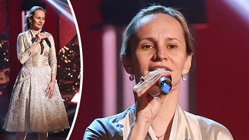 Monika Absolonová zazpívala bez make-upu.