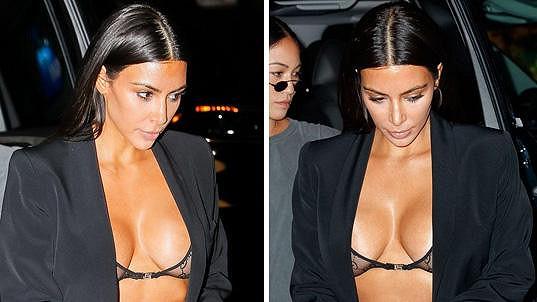Kim vsadila na prsa.