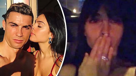Ronaldo se zasnoubil s přítelkyní Georginou.