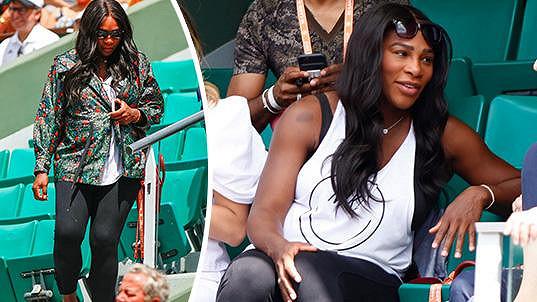Těhotná Serena Williams sleduje zápasy na French Open.