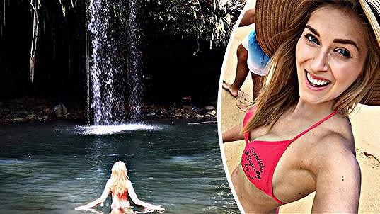 Zorka Hejdová si užívá na Havaji.