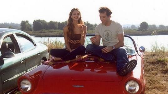 Jessica Alba ve filmu Klikař Charlie.
