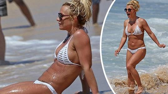 Britney ukázala sexy tělíčko.