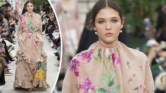 Tvrdíková na přehlídce Valentino v rámci pařížského týdne módy