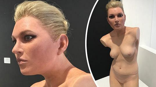 Hyperrealistická socha topmodelky Kate Moss